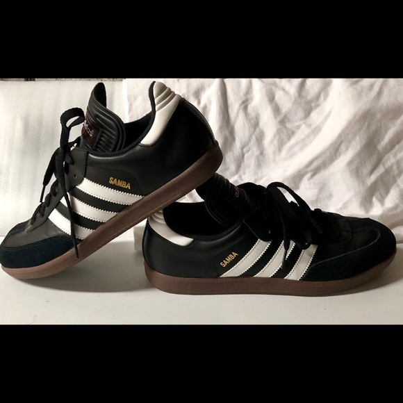 0a0076e91 adidas Other - Adidas Samba Mens Indoor Soccer 9.5 Sneakers